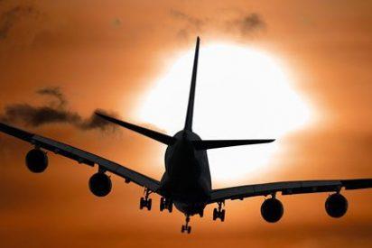 Un pasajero torpe hace volver al aeropuerto de Los Ángeles a un avión en mitad del vuelo a Tokio