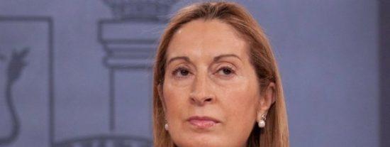 """La terrible bronca de Ana Pastor a los diputados por """"abochornar a los españoles"""""""
