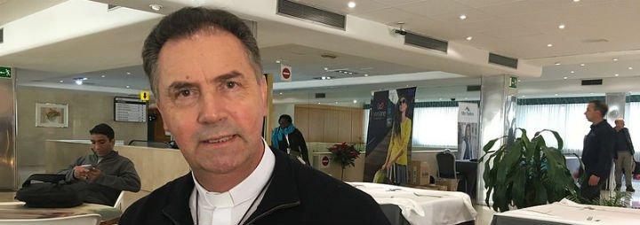"""Ángel Fernández Artime: """"Francisco necesita saber que se le apoya, que estamos con él, haciendo camino"""""""