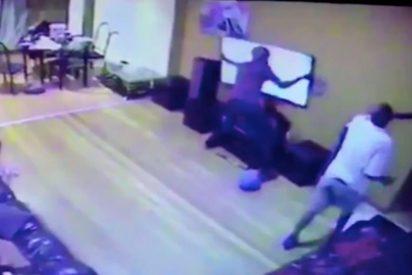 Ladrón dispara a una pareja y su hija sólo por robar una televisión