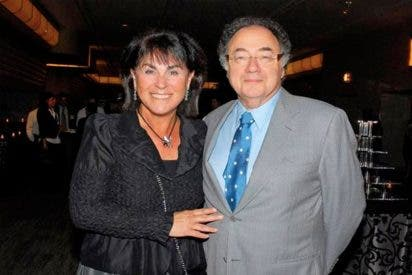 Barry Sherman, fundador de la farmacéutica canadiense Apotex y su esposa murieron estrangulados