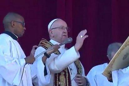 """El Papa denuncia: """"Vemos a Jesús en los niños cuya infancia fue robada"""""""