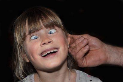 ¿Sabes por qué tienes el lóbulo de la oreja pegado a la cara o no?