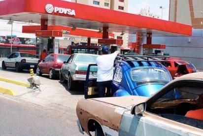 Colas kilométricas en Venezuela por la escasez de gasolina