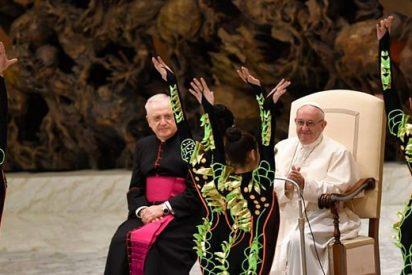 """El Papa denuncia la """"desnaturalización de la Navidad"""""""