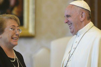 """Bachelet niega """"restricciones"""" a Francisco para expresarse sobre el conflicto con Bolivia"""