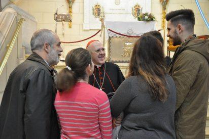 """Osoro preside el """"maratón"""" de bendiciones a las familias de Madrid"""