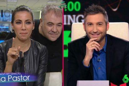'Zapeando': Ferreras aparece por sorpresa en un directo de Ana Pastor