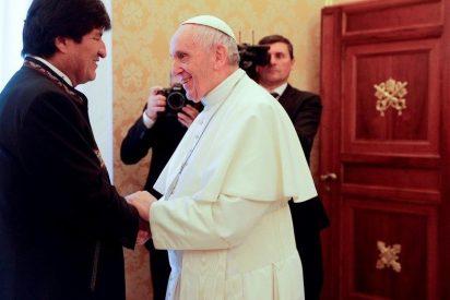 """La Iglesia boliviana ve """"hipócrita"""" la reunión de Evo con el Papa"""