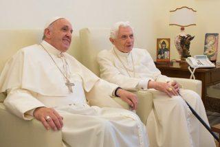 Francisco visita a Benedicto XVI para saludarlo por Navidad