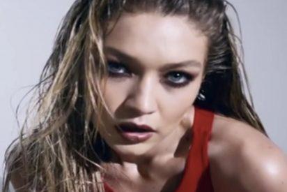 """[VIDEO] La erótica y polémica campaña """"feminista"""" de la revista Love con modelos desnudas"""