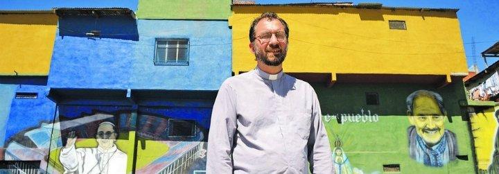 """Los nuevos """"obispos villeros"""" reivindican la figura de una Iglesia cercana a los pobres"""