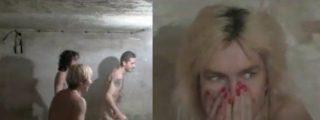 El vídeo de las personas desnudas jugando al pilla-pilla en una cámara de gas nazi
