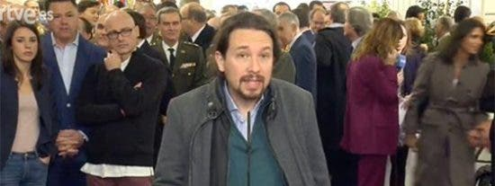 """El tremendo ridículo de Iglesias en la entrada del Congreso: """"¡Vete a Bruselas con Puigdemont!"""