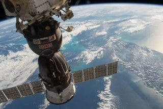 La Estación Espacial maniobra de emergencia para no colisionar con escombros de un cohete