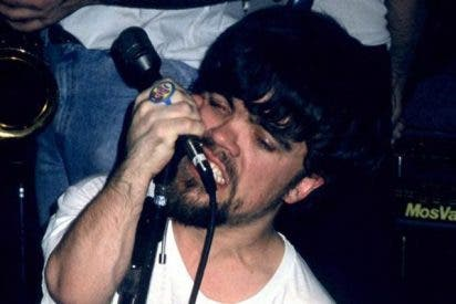 'El enano' de Juego de Tronos fue vocalista de una banda de funk en la década de los 90
