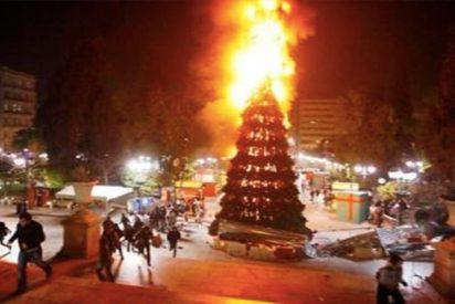 La ofensiva felicitación navideña de IU en Twitter: un árbol de Navidad en llamas