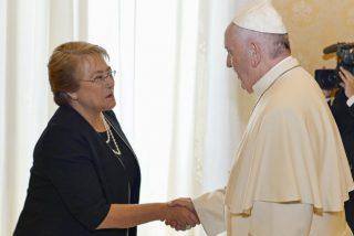 """Bachelet mostrará al Papa """"un Chile más justo, inclusivo y digno"""""""
