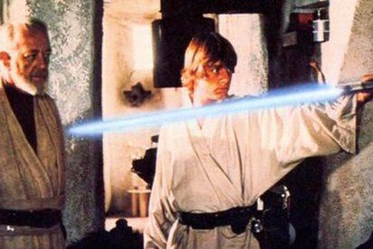 La sorprendente historia sobre la creación del sable de luz de Star Wars