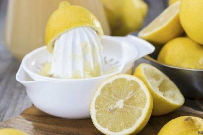Mitos y verdades sobre los beneficios de beber agua con limón