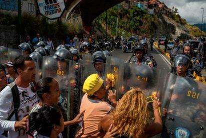 Los venezolanos siguen con las protestas en las calles por la falta de comida