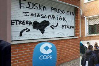 Antonio Maestre no ve pintadas a favor de ETA en un instituto de Madrid y en Twitter le cae la del pulpo