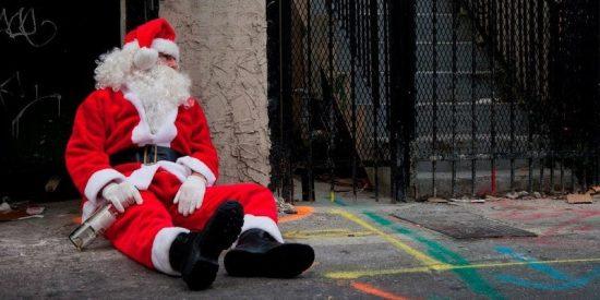 Santa Claus sufre de alcoholismo, gota y falta de sueño según médicos de Reino Unido