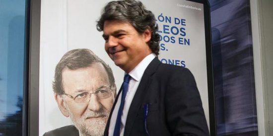Jorge Moragas abandona La Moncloa tras el batacazo del PP en las elecciones catalanas