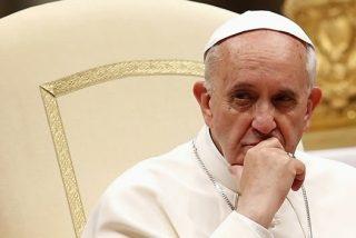 """""""Pedimos que salga de nuestra ciudad (el obispo Barros)"""""""