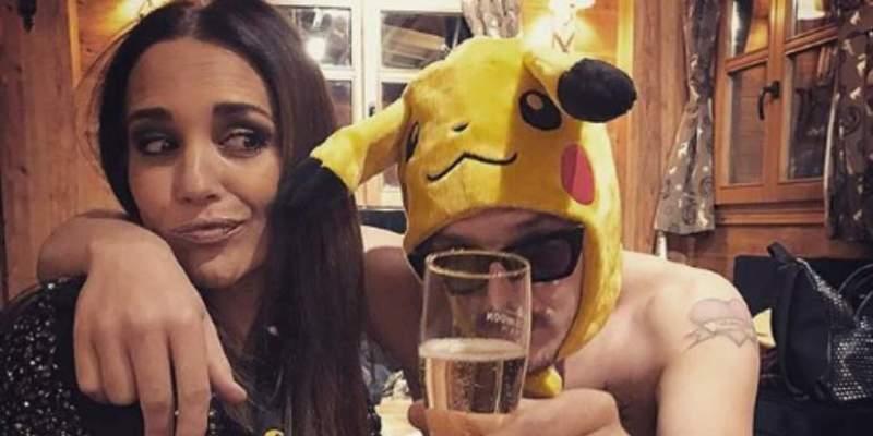 Paula Echevarría se pega un 'fiestón' con un Pikachu semidesnudo y de David Bustamente ni rastro