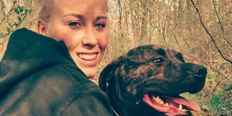 Una joven es devorada por sus dos perros mientras paseaba en un bosque