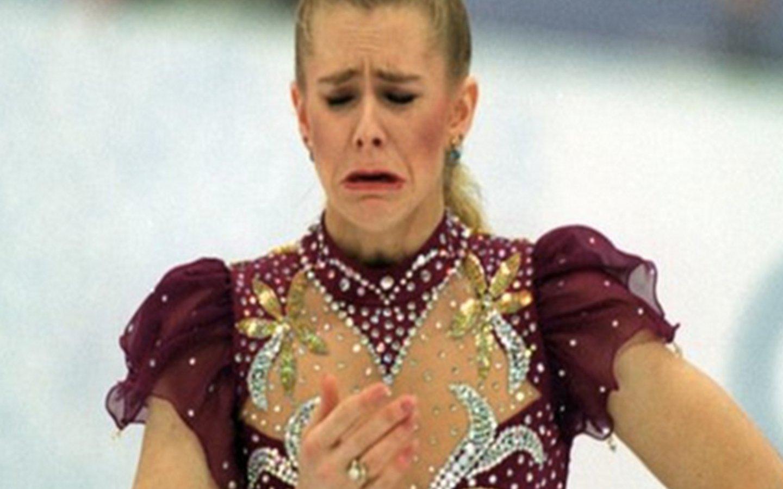 """Tonya Harding, la villana del patinaje sobre hielo que """"encargó"""" que le partieran una pierna a su rival Nancy Kerrigan"""