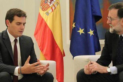 Rajoy y Rivera se reunen en La Moncloa, hablan de Cataluña y evitan el enfrentamiento