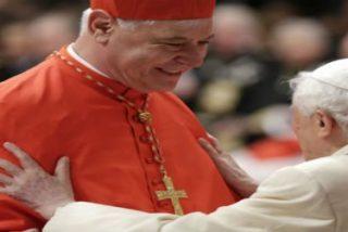 """Benedicto XVI, al cardenal Müller: """"Has defendido las claras tradiciones de la fe, pero en el espíritu del papa Francisco"""""""
