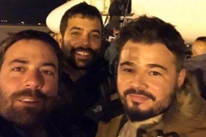Rufián presume de viaje a Bruselas para apoyar al prófugo 'Puchi' y le acaban partiendo la cara