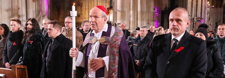 Schönborn organiza un acto en memoria de las víctimas del SIDA en la catedral de Viena