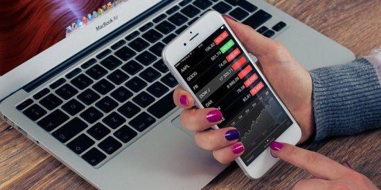 Ralentizar el funcionamiento de iPhones antiguos con baterías degradadas le cuesta una demanda a Apple