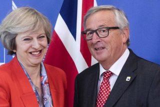 Theresa May y Jean Claude Juncker desbloquean la negociación tras fijar las condiciones del Brexit