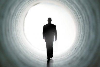 ¿Existe el más allá? Un cirujano revela su experiencia 'paradisíaca' en el umbral de la muerte