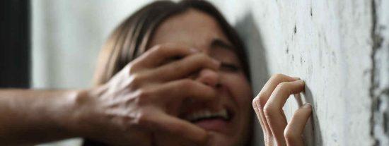 Seis magrebíes racistas arrestados por abusar sexualmente de una mujer latina