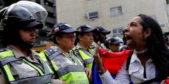 Los venezolanos son los 'número uno' del mundo en solicitudes de asilo en España y EEUU