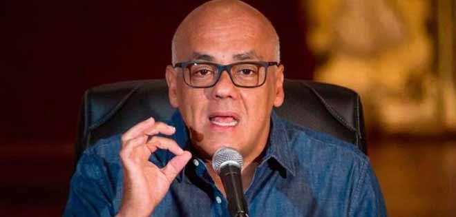 El chavista Jorge Rodríguez anuncia avances en el diálogo y la oposición teme una nueva trampa chavista