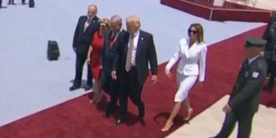 [VÍDEO] El feo gesto de Melania Trump en Israel que cabreó a su despistado marido