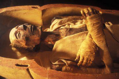 Los antiguos egipcios reciclaban papiros usados para envolver a sus difuntos