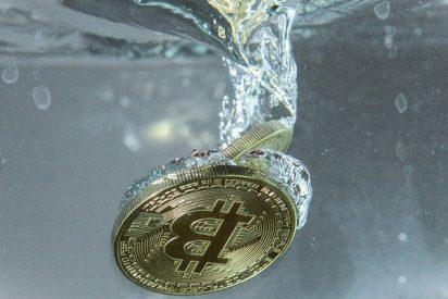 El bitcoin pierde la mitad de su valor en apenas un mes