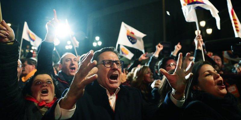 """Isabel San Sebastián: """"El PSOE ha perdido la «E» de español, mientras el PP hace del relativismo su credo y de la parálisis su política"""""""