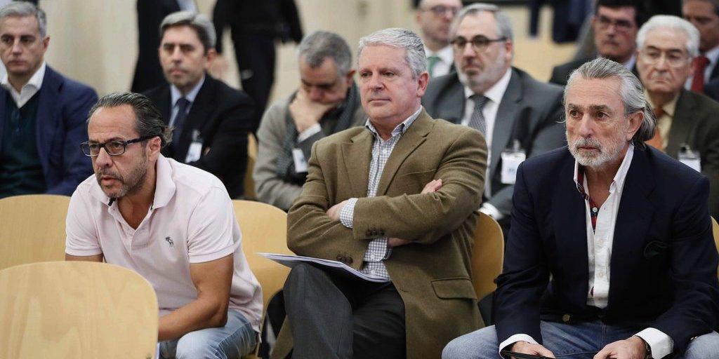 Canta 'El Bigotes' y comienza la subida al Calvario del PP de Rajoy