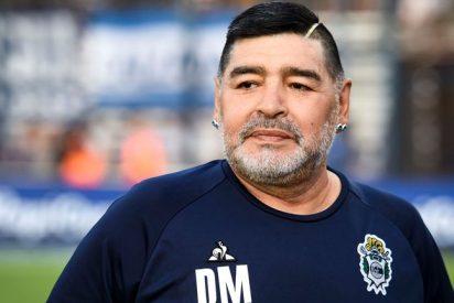 """Maradona acusa a Blatter y Platini de ser """"un par de ladrones"""""""