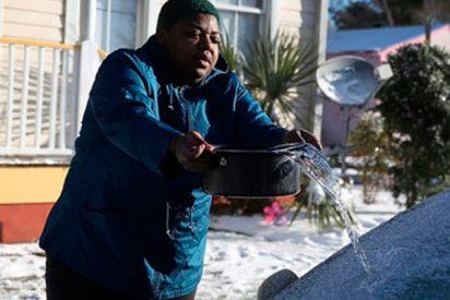 Por esto nunca debes echar agua caliente al parabrisas de su coche congelado