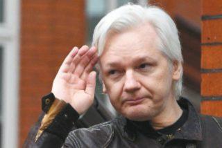 Julian Assange es algo guarrete y lo que genera serios problemas en la embajada ecuatoriana en Londres
